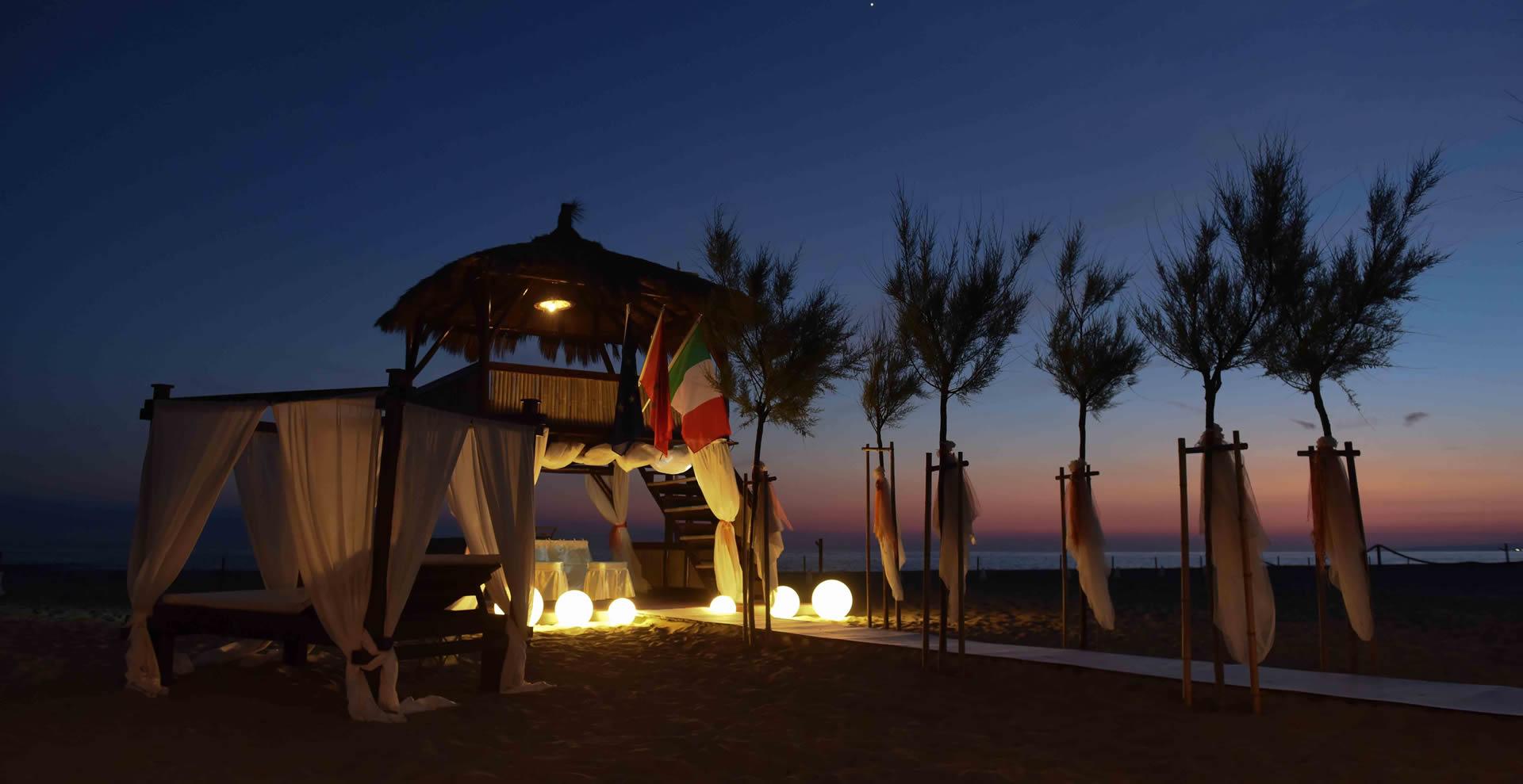 Ore 21:00 - Cena a lume di candela ascoltando il mare