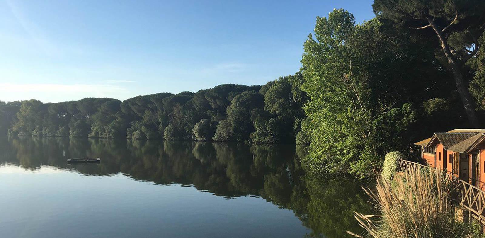 Ore 16:00 - Passeggiata nel verde intorno ad un antico lago